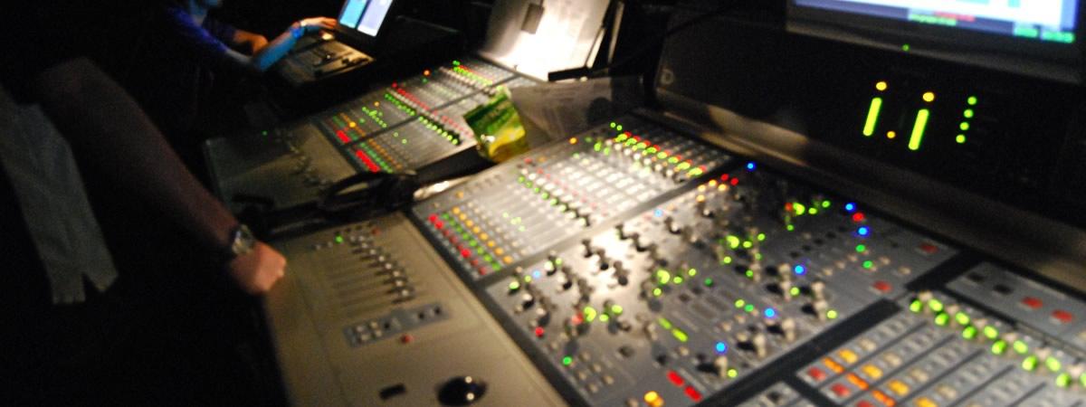 Service audio, service luci, attrezzatura per eventi e spettacoli.